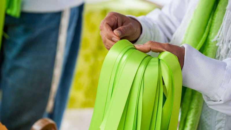 grüne Bänder ausgeben